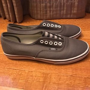 Vans Authentic Lo Pro Gore 8.5 (men 7) slip on